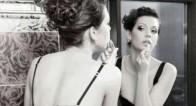鏡の前で「最高の角度」を見つけだせ! 【素敵女史への1歩を!〜恋愛から遠ざかりそうなあなたに送る、HOW TO 教室〜】Lesson5