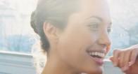 アンジェリーナ・ジョリーの唇に学ぶ!女のコンプレックス克服法