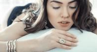「時計」と「アクセ」にこだわる!30代女性はのファッション術