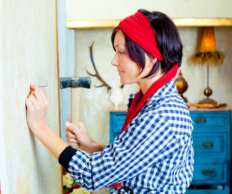 Diy fashion woman with nail and hammer