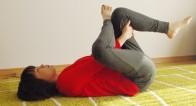 生理痛はなぜ起こる?1分で生理痛がやわらぐ!簡単ストレッチ