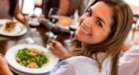 男性からの好感度がアップするレストランでの女性の仕草って?