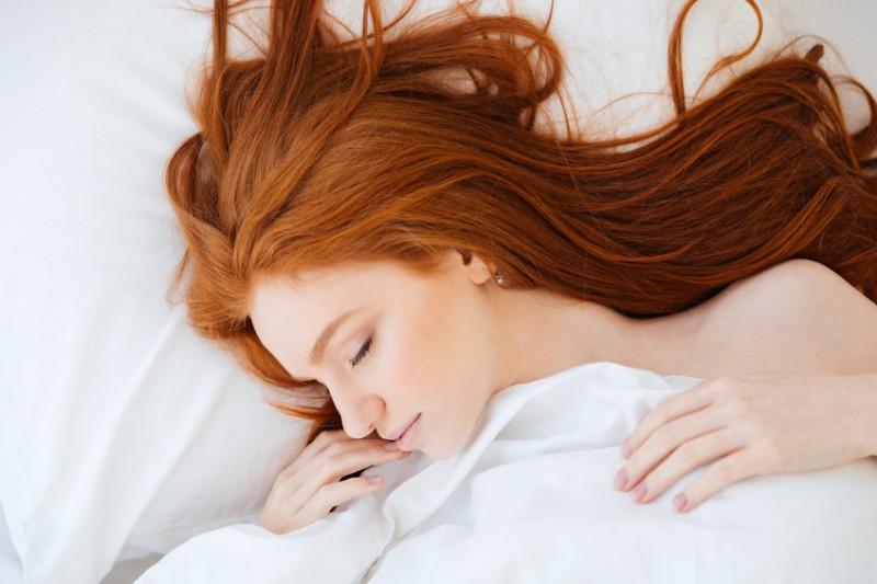 良質な睡眠でバストアップ