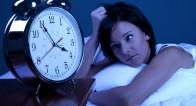 「寝れない・・・」寝つきが悪いときに試したい【足さすり×数かぞえ】って?