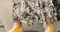 抜け感がちょうどいい♪大人可愛い春の「スニーカー×スカート」コーデ集