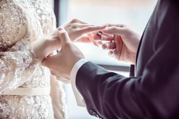 結婚  後悔 年上