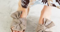 大人だって履きたい!「リボンサンダル」で足元に可愛さをプラス♪