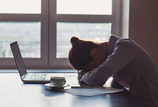 絶えない不安に疲れ。「不安疲労」は生活習慣が原因かも